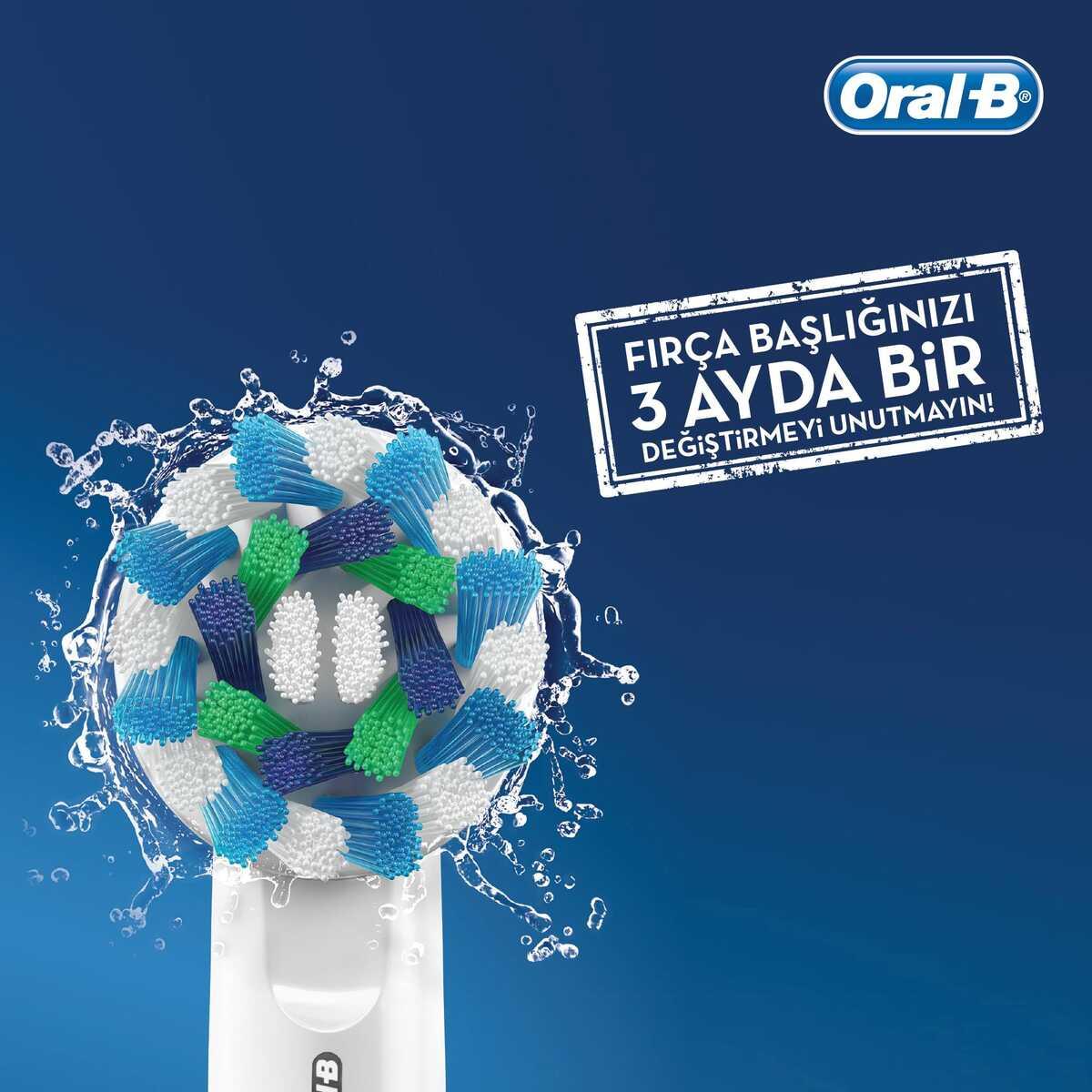 Oral-B D100 Vitality Cars Özel Seri Çocuklar İçin Şarj Edilebilir Diş Fırçası